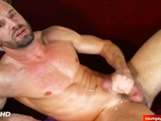 My nice neighbour made a porn where he wanks his huge cock until cumshot