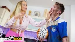 BANGBROS - MILF Rebecca More Fucks Her Filthy Step Son Sam Bourne