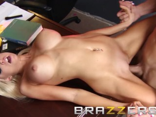 Brazzers big tits blone gets pounded on the...
