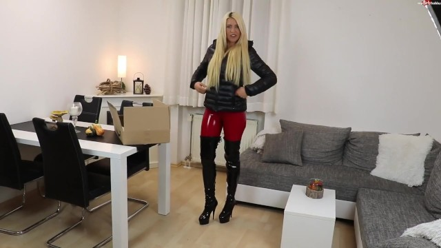 Old puffs fucking queens - Blonde german in black puffy jacket sex