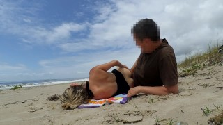 More Real Amateur Public Sex Risky on the Beach !!! People walking near...
