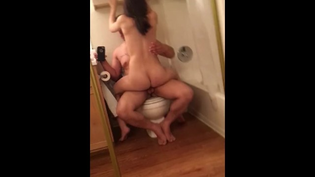 Best Friends Girlfriend Sucks