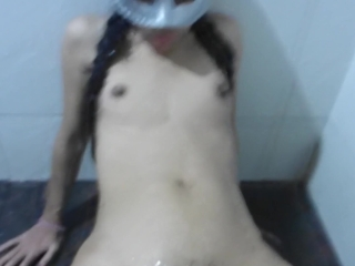 Tight Thai Teen like to get fucked in the shower