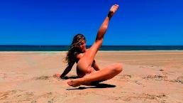 I'm nude on Lago Saler beach in Valencia