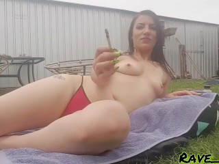 Suburban Smoking Slut : teasing you while I sunbake and smoke
