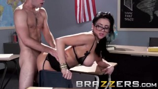 BRAZZERS - Store Bryster lærer Audrey Bitoni er her for De Store Ting i Lif