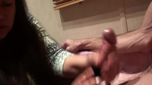 Download Gratis Video Nikita bathroom fun