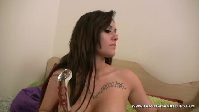 Streaming Gratis Video Nikita Mirzani Big Tit Moxxy Minx Literally Stuffs This Thick Glass Dildo In Her Pussy!