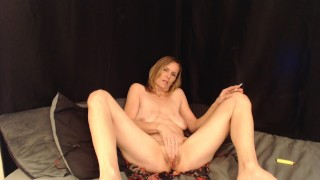 Sexy Milf Smoking Pussy Play and cums