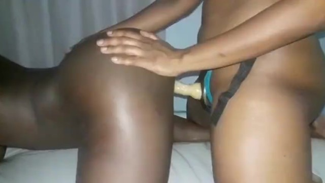 Black Teen Playing Her Pussy