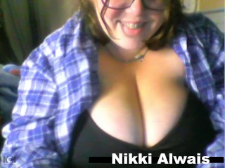 Nikki alwais plays with ddd titties and sucks...