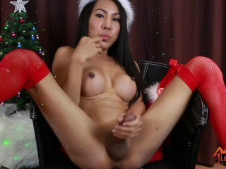A Merry Christmas Cumshot