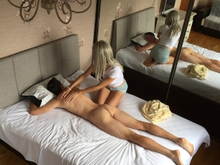 Sensual Massage Turns Into Blowjob & Pussy Licking Orgasm In 69