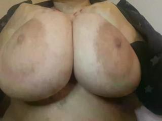 Amautur BBW Latina Huge Natural 42DD Bouncing Nipple and Boob Play