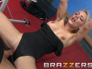 BRAZZERS – Big tit Gymnist Loulou is A Perfect 10