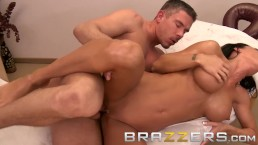 BRAZZERS - Jessica Jaymes Needs a deep deep massage to keep her happy