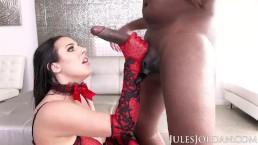 Jules Jordan - Angela White Sets A BOOBY Trap For Mandingo