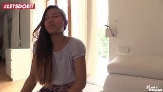 Cute Thai has Pussy Fingering Orgasm Solo (HD) Busty ass