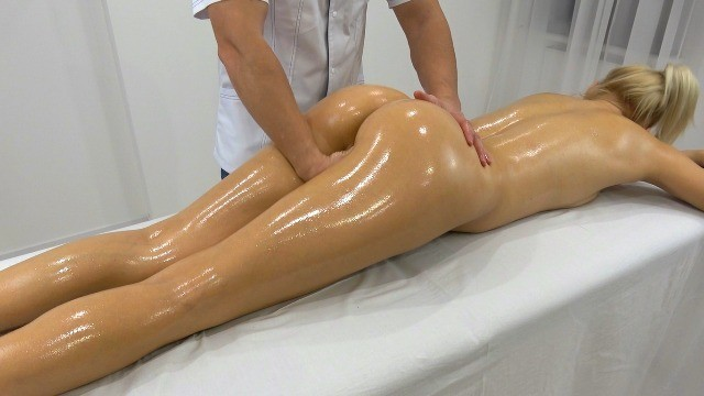 Oily ass fucked In-home massage therapist fucked me hard