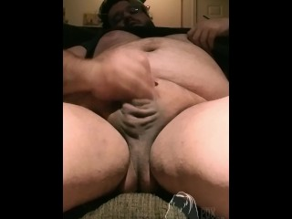 HORNY BEAR PLAYS WITH HIS NIPPLES, BELLY AND COCK, CUMSHOT