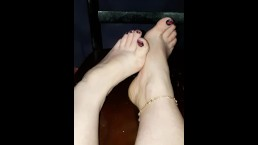 Me teasing you with my sexy toes.. high arches and wrinkled soles