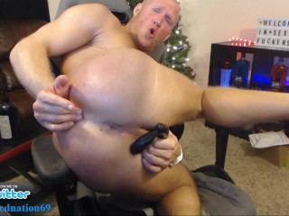 Muscle stud with fresh cum load live on...