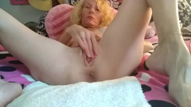 Spread legs big clit - Big clits tiny tits hot pink blonde huge lips pussy squirting orgasms