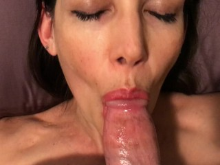 Hot milf laying back and ever cim swallow...