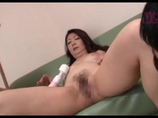 YUME-064 [中文字幕]隔壁人妻不穿奶罩真傷腦筋紫彩乃