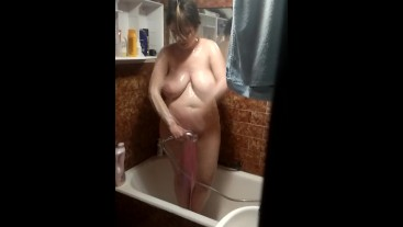 Spying my girlfriend on the shower