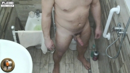 MUSCLE GUY IN A SHOWER GYM ,MY DAILY SPY ROUTINE LOAD:SHOWER WANK PISS