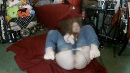 A Quick Cum ~ A Velvet Short ~ Thick Ass Redhead ha un orgasmo veloce