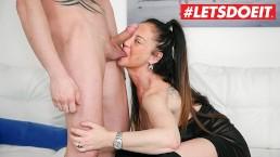 LETSDOEIT - Milf italiana viene scopata Hardcore al Casting porno
