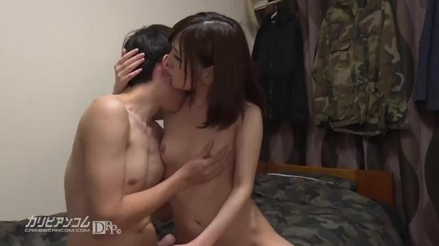 【無修正エロ動画】素人宅にAV女優がいってセックスし ...