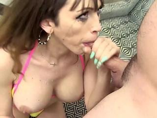 Big tit shemale kylie maria deepthroats a hard...