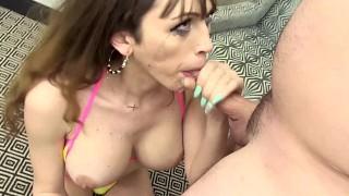 Big tit shemale Kylie Maria deepthroats a hard cock