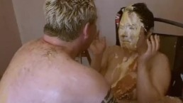 Pie face sploshing