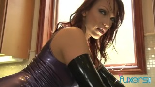 Nikki Hunter kinky latex MILF
