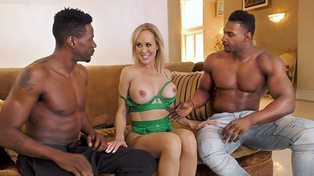 Brandi Love Strip Masturbation