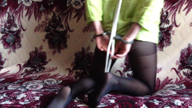 Peerless handcuffs suck - Submissive young girl in handcuffs and pantyhose nylon collar show myself
