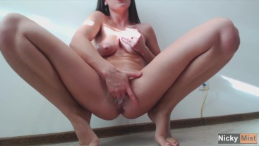 My tight pussy got creamy while try to squirt - Amateur Nicky Mist