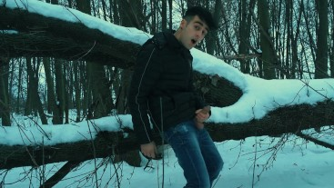 Winter jerking off on the tree
