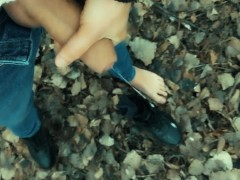 Teen barefoot jerking in the park - cumshot on shoe and foot
