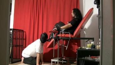 Encaged slave