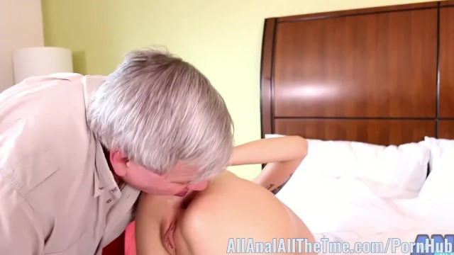 Streaming Gratis Video Nikita Mirzani Hot blonde Haley Reed Cucks Her Dad AllAnal!