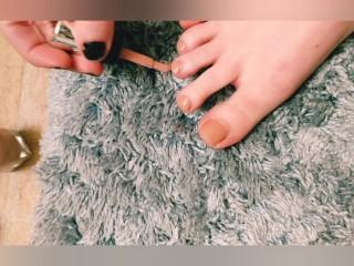petite teen massages feet