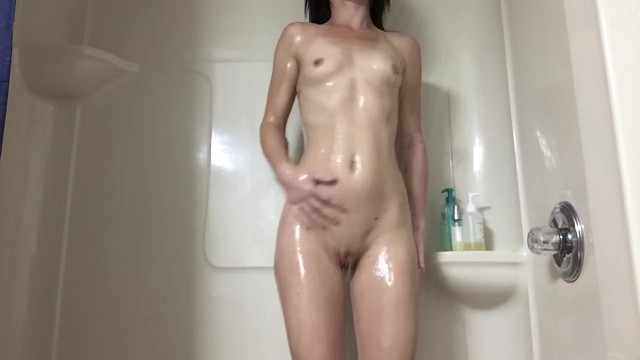 Download Gratis Video Nikita Mirzani Kennedy James fingers pussy in shower with shampoo bottle