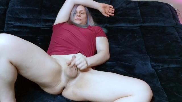 Goddess Purple Frost amateur masturbation at friends house 16