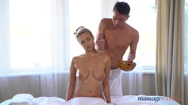 Sex msaag Kansas massage