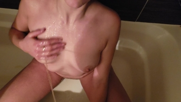 GOLDEN SHOWER Mylie Blonde get pee on by a man and taste her own piss